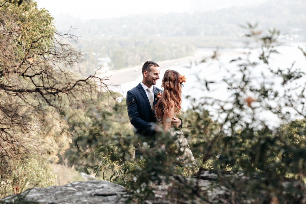 a captured moment from the southern highlands wedding photographer