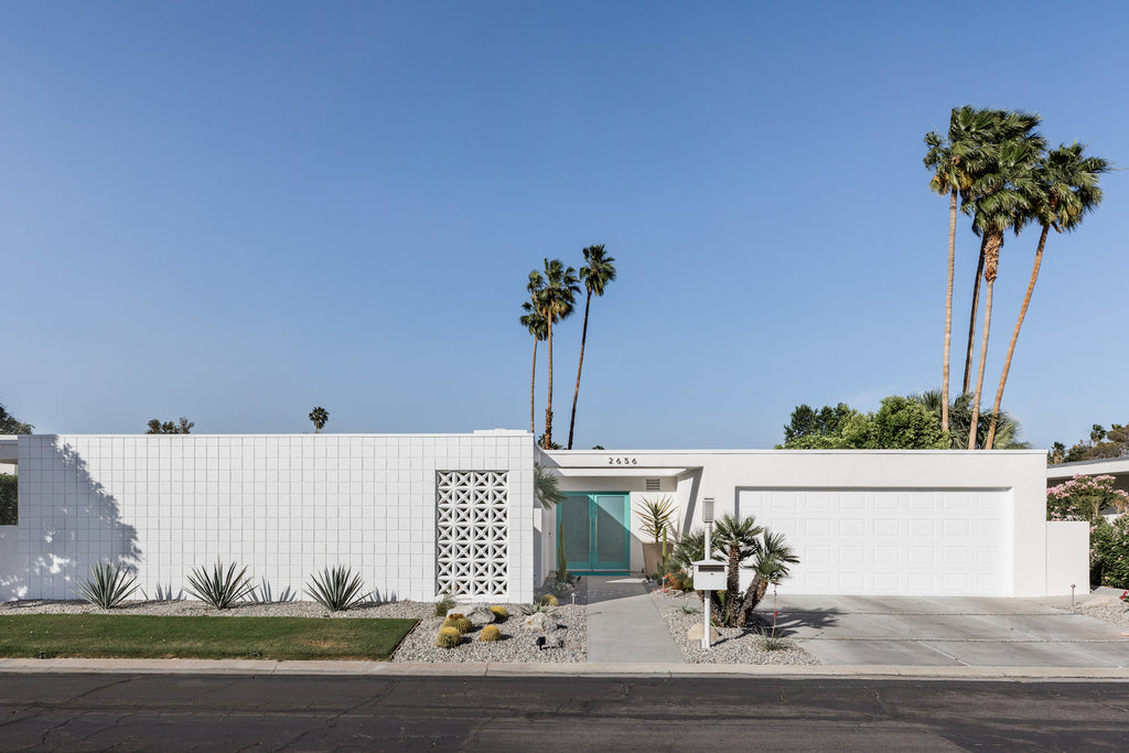 Palm Springs home with an aqua door