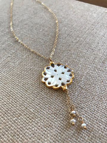 Mother of Pearl Flower Necklace