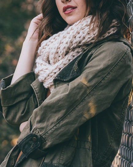 Boston - Ivory Infinity Scarf
