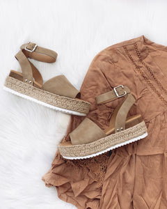 Kendra Natural Platform Sandals