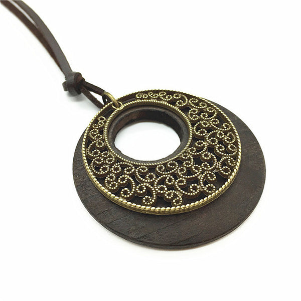 Elegant Design Wooden Necklace