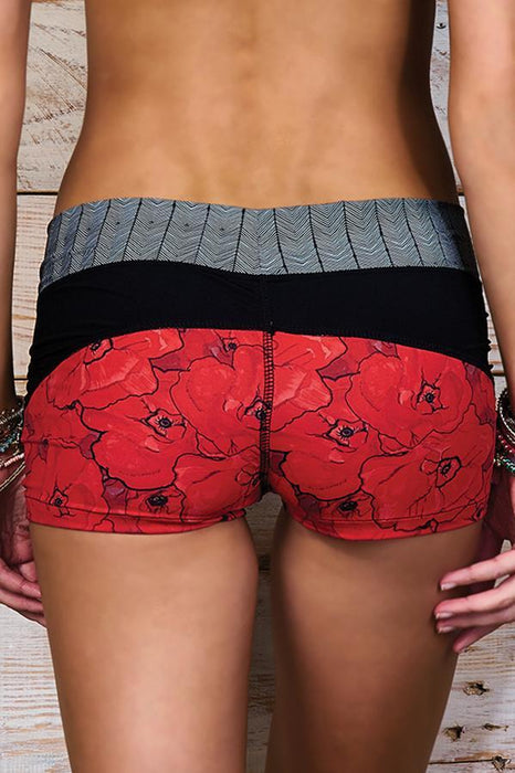 MAYLANA Joe Red Poppies Shorts