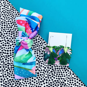 Take It Or Leaf It green gift set - bow headband and earrings