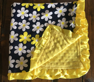 Infant Daisy Minky Dot Blanket