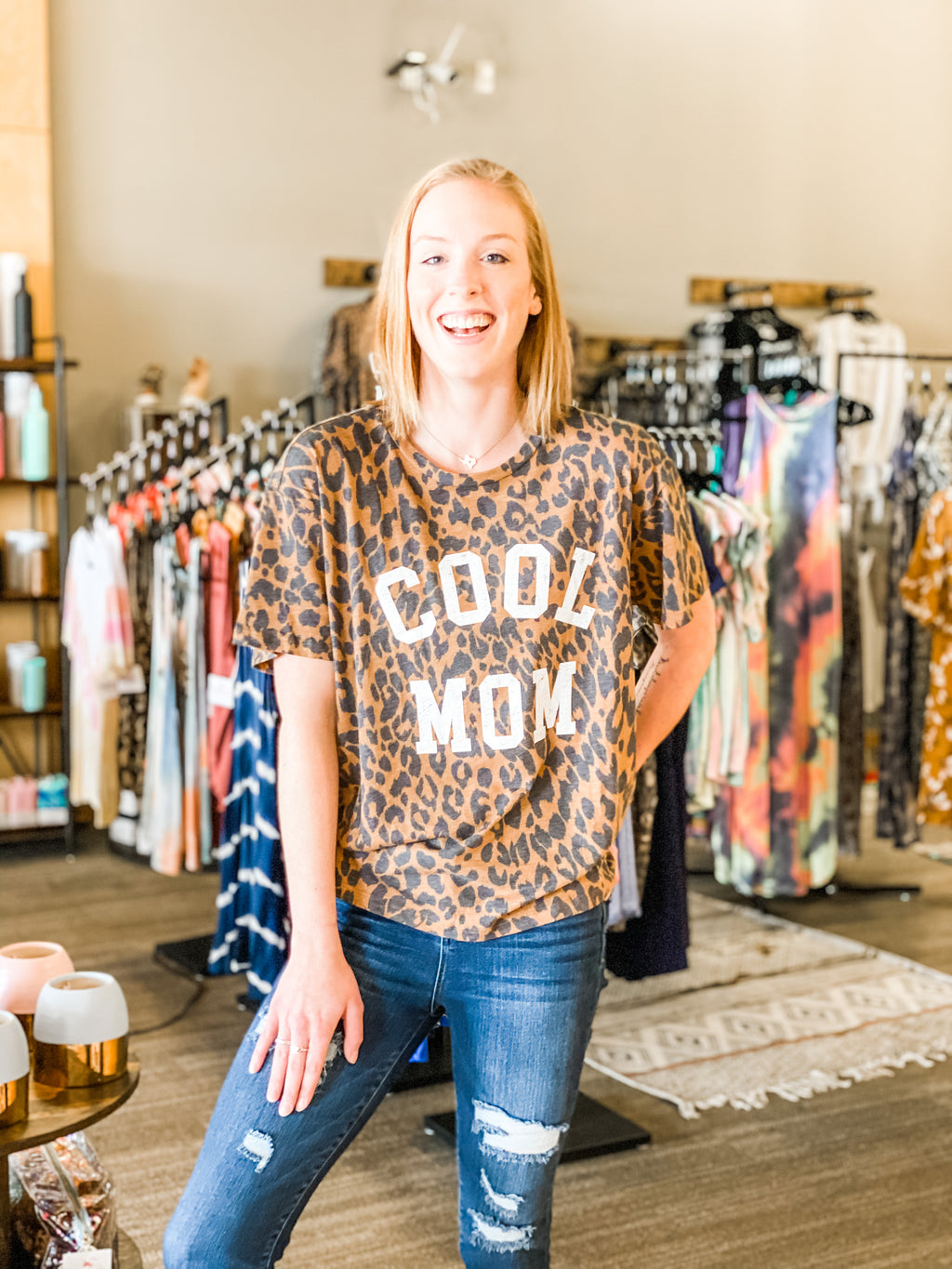 Graphic Leopard Top-Cool Mom