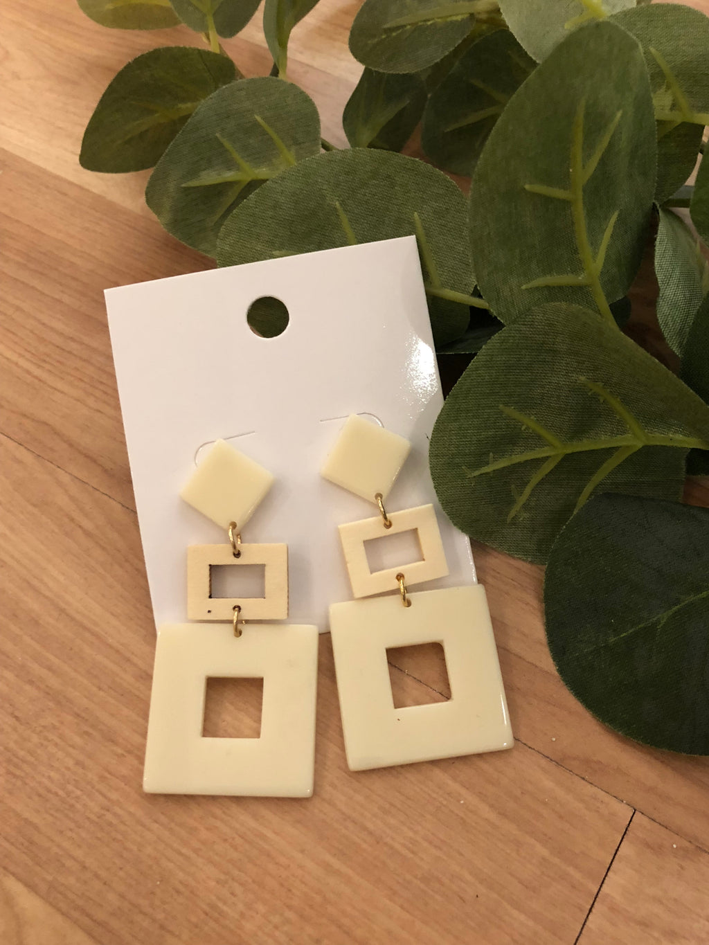 Right Here Earrings (Cream)