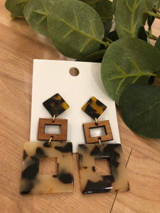 Right Here Earrings (Brown)