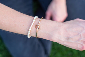 White Lilly Bracelet - ShopBlondee