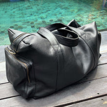 The Xavier Leather Duffle Bag
