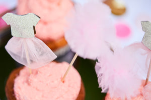 Sweet Princess Cake Topper PomPoms Kleidchen