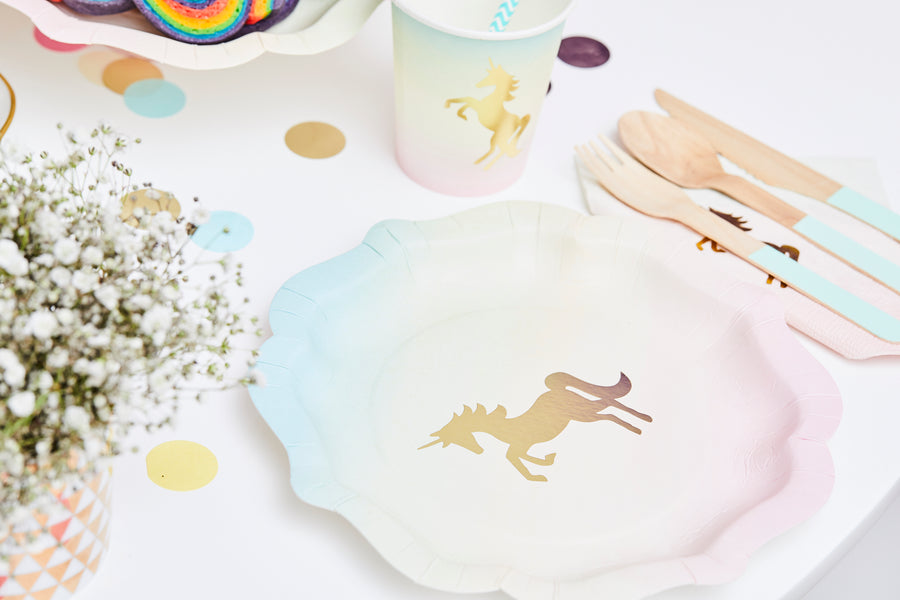 Magical Unicorn in a box Einhorn pastell Papier Geschirr und Holzbesteck in mint