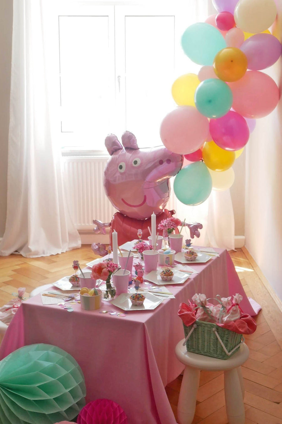 Peppa Party... in a box - FAMILY EDITION