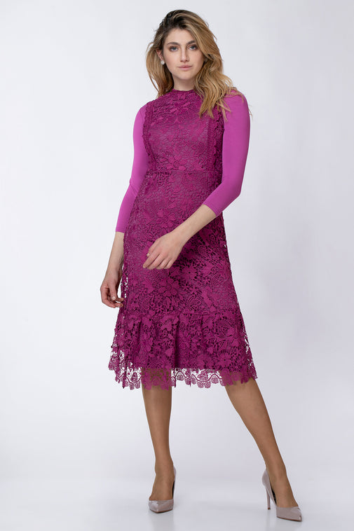 LACE PINAFORE