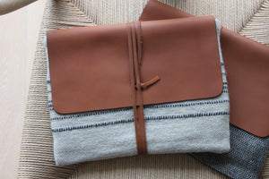 Linen & wool clutch, striped motive