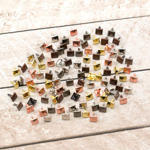 Paper Stud Faceted Square Small Metallic Mix 100pk WH