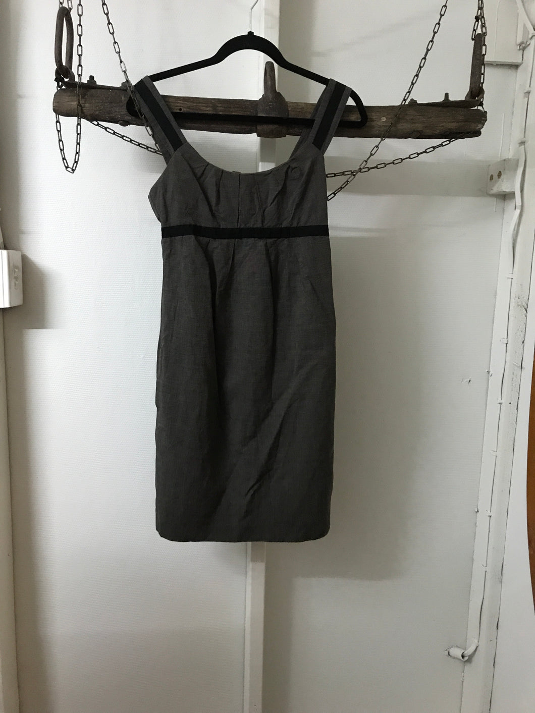 Cue Grey/Black Short Sleeve Business Dress Size 6