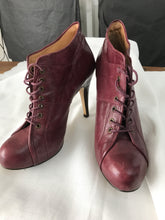 Nine West burgundy ankle lace boots size 7 1/2