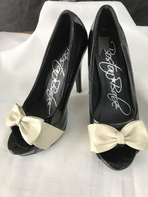 Boston babe black with white bow pumps size 37