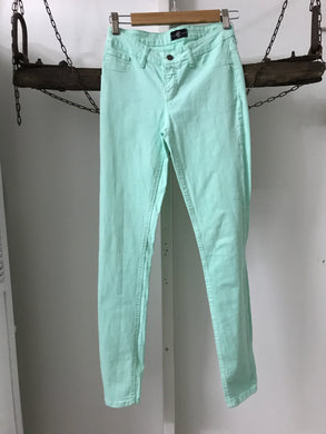 Cello Green Straight Size 7