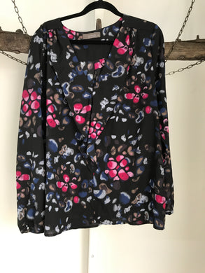 Jacqui E Navy/ Red Floral Top Size 18
