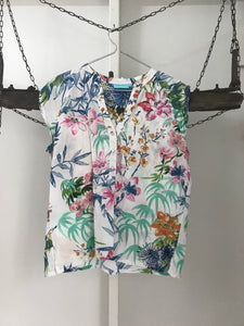Blue illusion pastel floral short sleeve blouse Size L ( estimated 12)