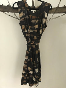 Witchery Brown/black circle print dress Size S ( approx 8)
