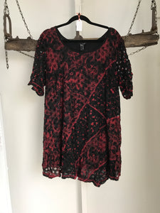 TS Black/Red Pattern Top Size S (16)