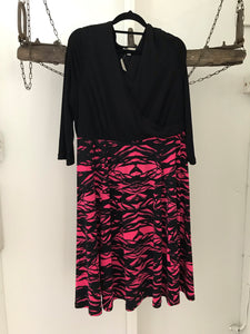 Autograph black and hot pink print, long sleeves cross neck line Size 16
