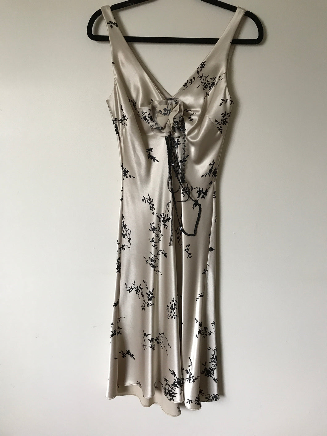 Review light beige with floral print satin dress Size 8