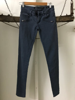 Riders Blue Low Rise Zip Size 6