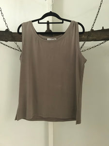 Noni B fawn singlet top Size m ( estimated 10)