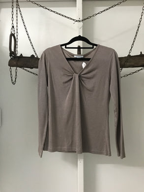 Wombat pewter long sleeve top Size XS