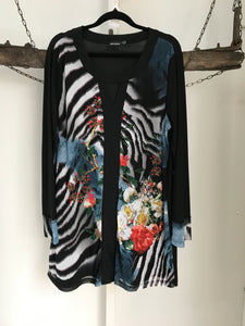 Infusion Black/ Multicoloured Pattern Top Size 16