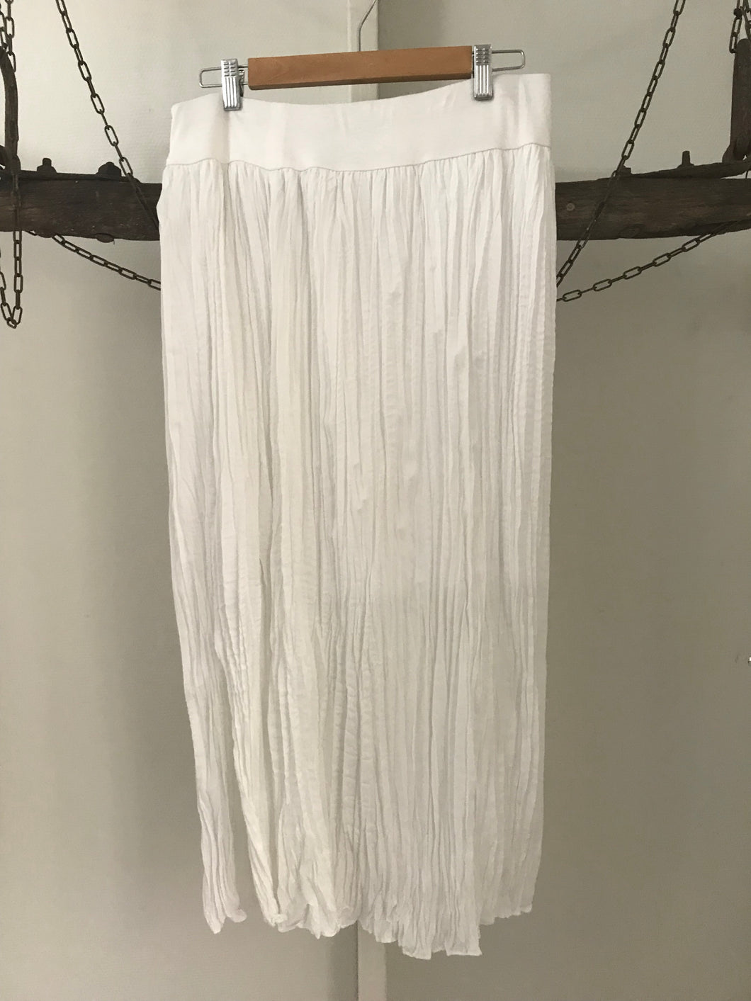 Suzannegrae white pleated long skirt Size S ( estimated 8)