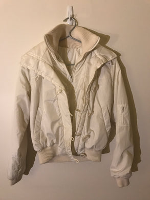 No label white bomber jacket with zip and button Size Estimate 6-8