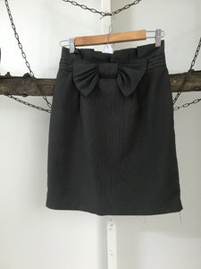 Tokito Charcoal Bow skirt Size 8