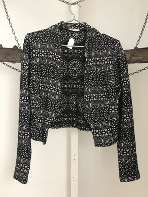 Metalicus black pattern long sleeve short jacket Size 8