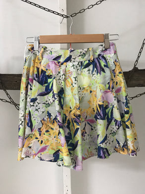 Paper Heart Floral Green/Yellow/blue Skirt Size 8