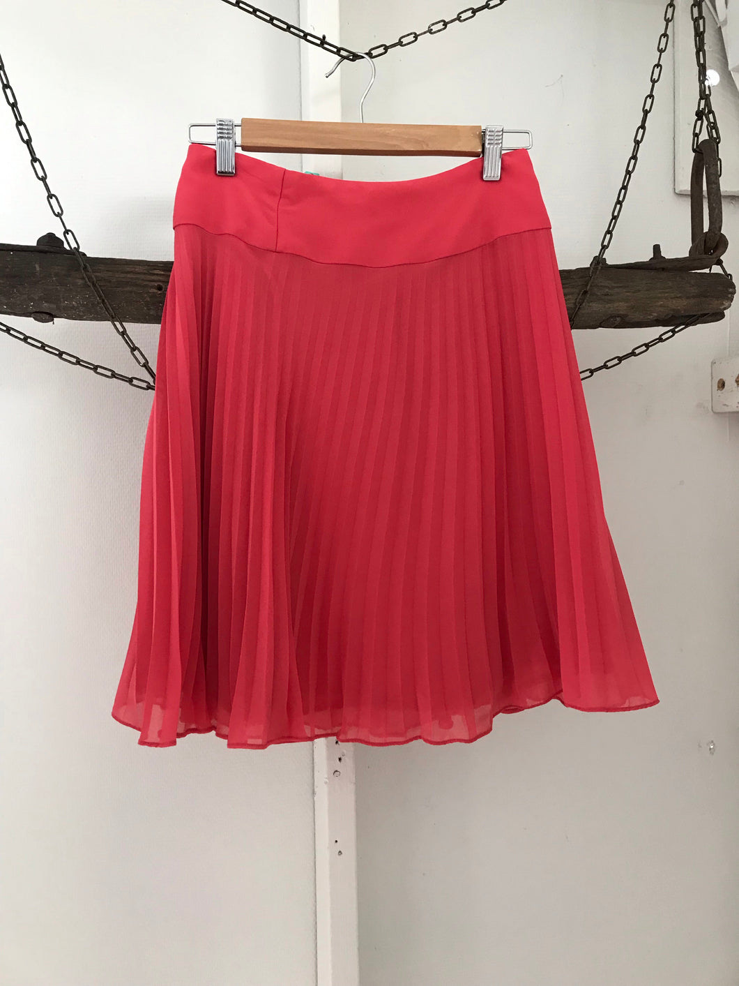 Review pink pleated skirt Size 8