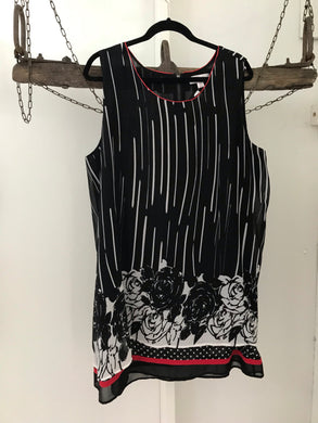 Clarity black/white/red patterned sleeveless shift dress size XXL estimated 18