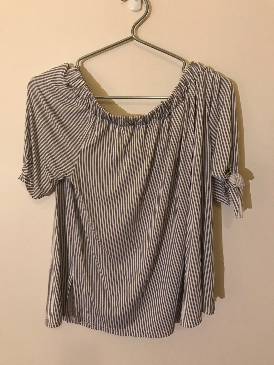 Boohoo white/grey striped off the shoulder top Size Medium (10-12 estimate)