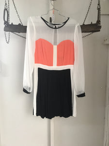 Toi ET Mol Orange/Black/White Dress Size 10 NWT