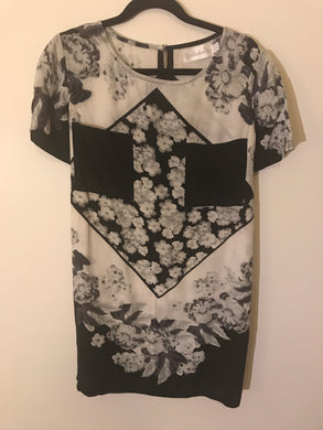 Shakuhachi black/white floral pattern silk dress Size 6