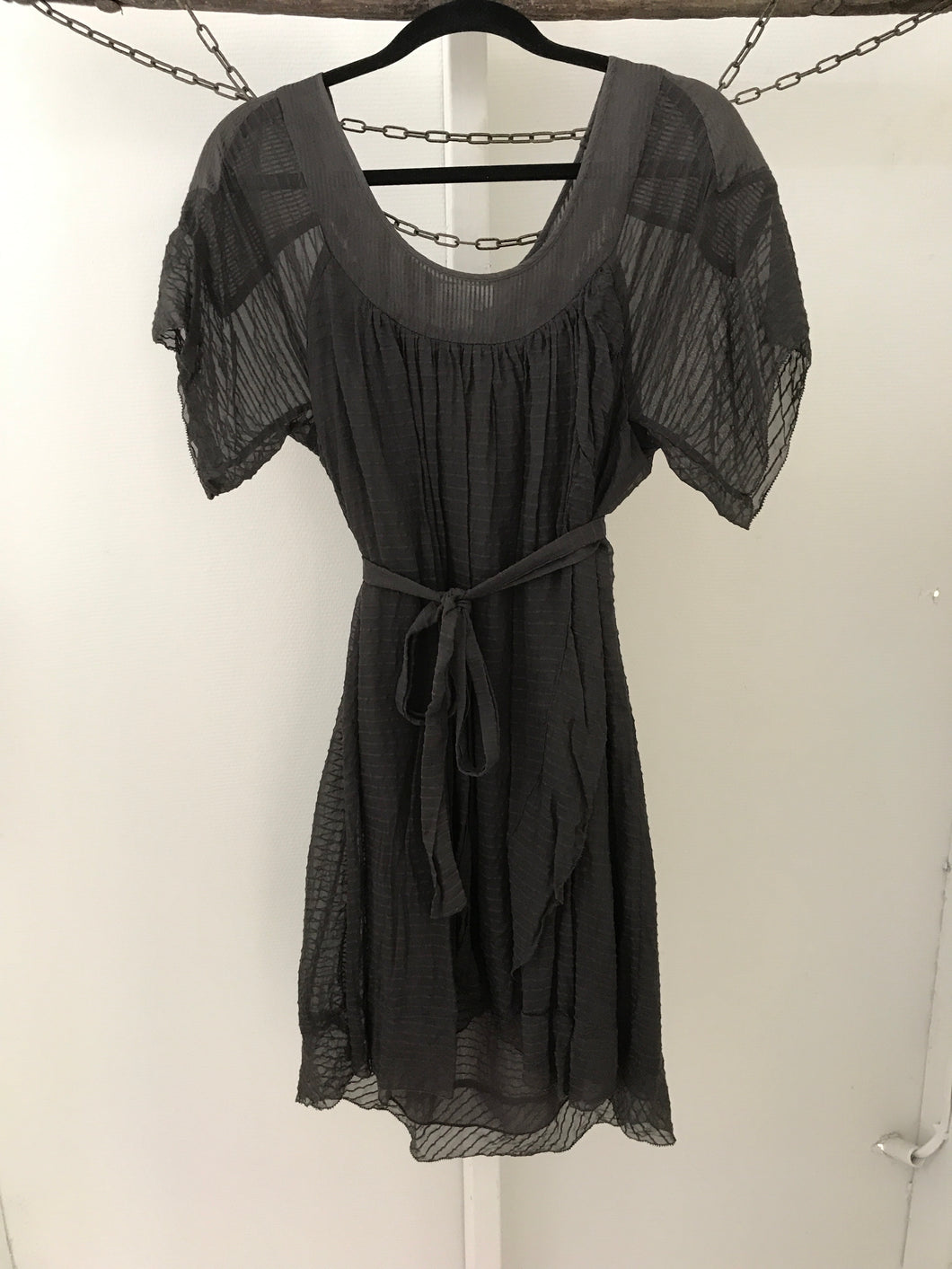 Witchery dark brown flowy short sleeve tunic Size 8