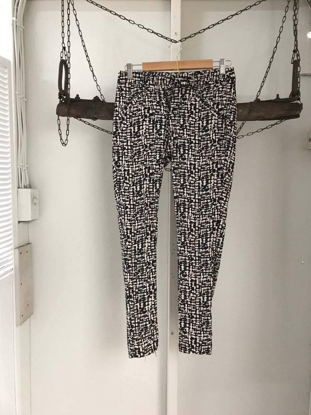Just Jeans Black/Cream Straight Pants Size 6