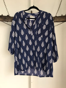 Tree Of Life Blue/White Blouse Size S/M (10 estimate)