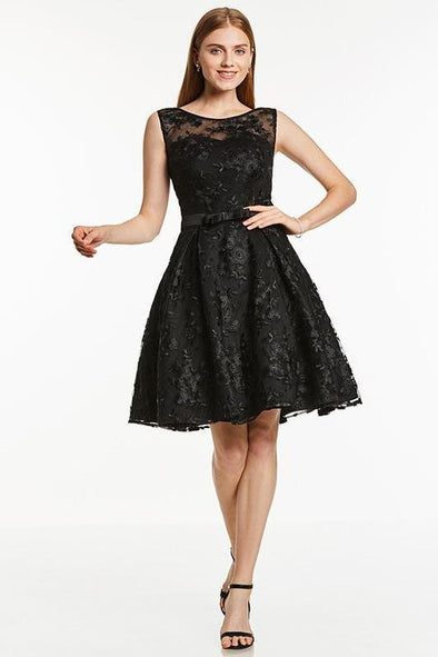 A-Line Lace Black Scoop Sleeveless Knee Length Homecoming Dress | TeresaClare