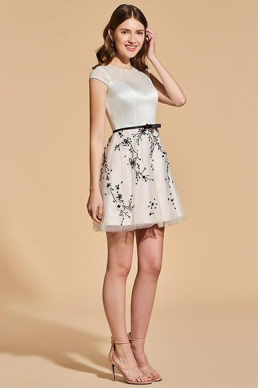 Appliques Lace Short Sleeves Above Knee A-Line Cocktail Dress | TeresaClare