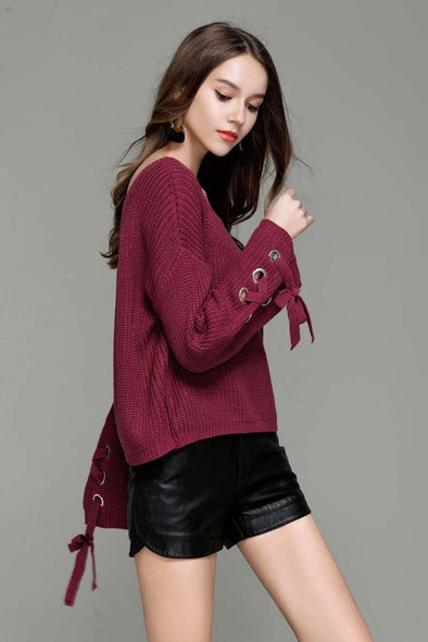 Red Acrylic Casual Knitted O-Neck Sweater With Bow | TeresaClare